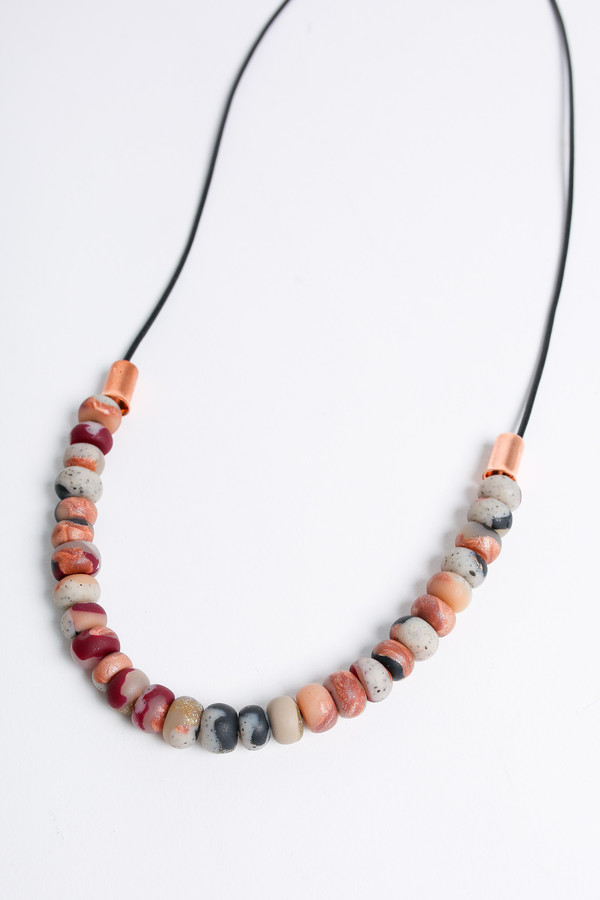 Pepper Train The Mini Necklace in bordeaux/nude swirl