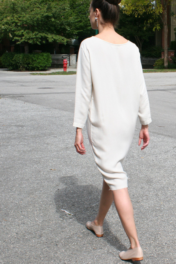 BLACK CRANE SLIM DRESS CREAM