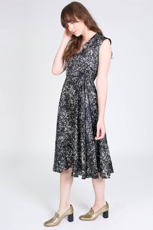 No.6 Store V neck dress in black/white spray