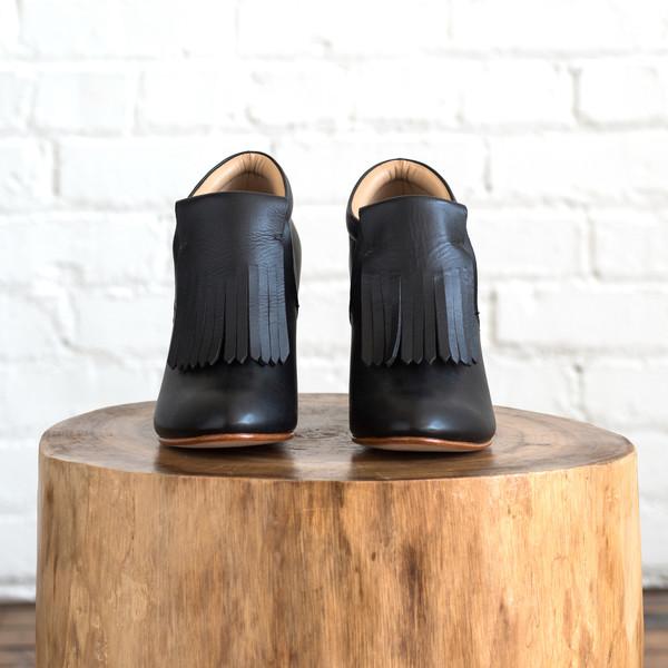 A Detacher Falcon Shoe