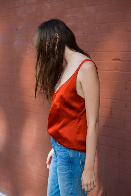 lacausa dual satin tank in blood orange