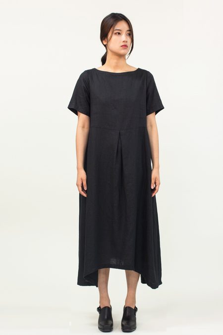 Universal Tissu Linen Dress- Black