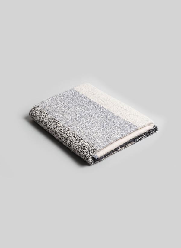 Mae Engelgeer MOD Blanket 01