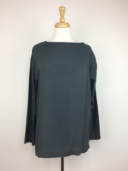 Black Crane Long Slit Top