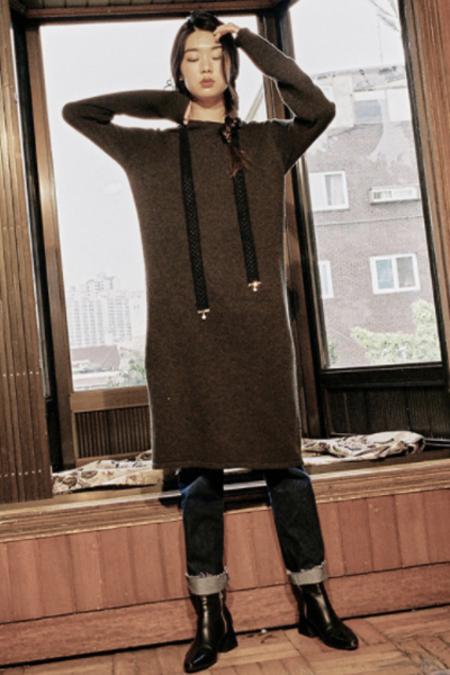 AMONG SEOUL Side Slit Knit Dress- Khaki