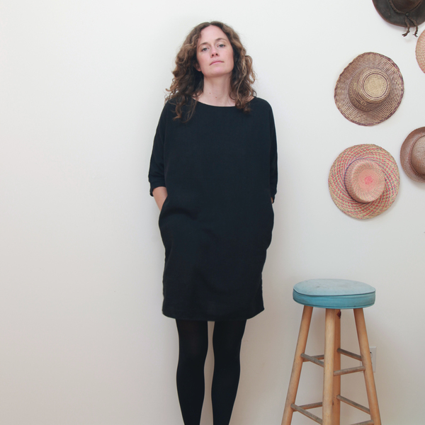 Me & Arrow Dolman 3/4 Sleeve Dress Black