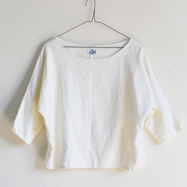 Me & Arrow Dolman 3/4 Sleeve Top Off white