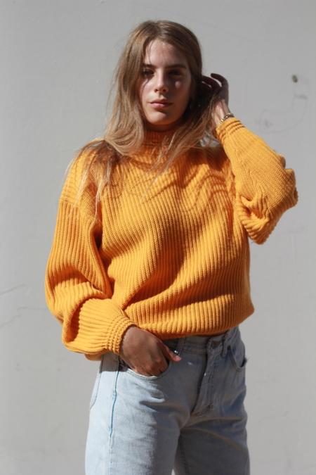 O-M Vintage | Gold Mockneck Sweater, M
