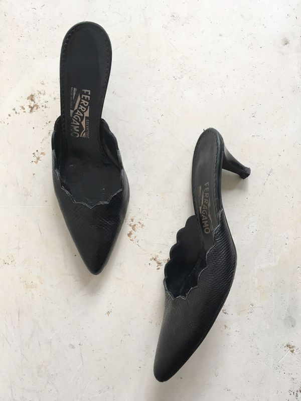 The Shudio Vintage Black Ferragamo Scallop Kitten Heels (Sz 7)