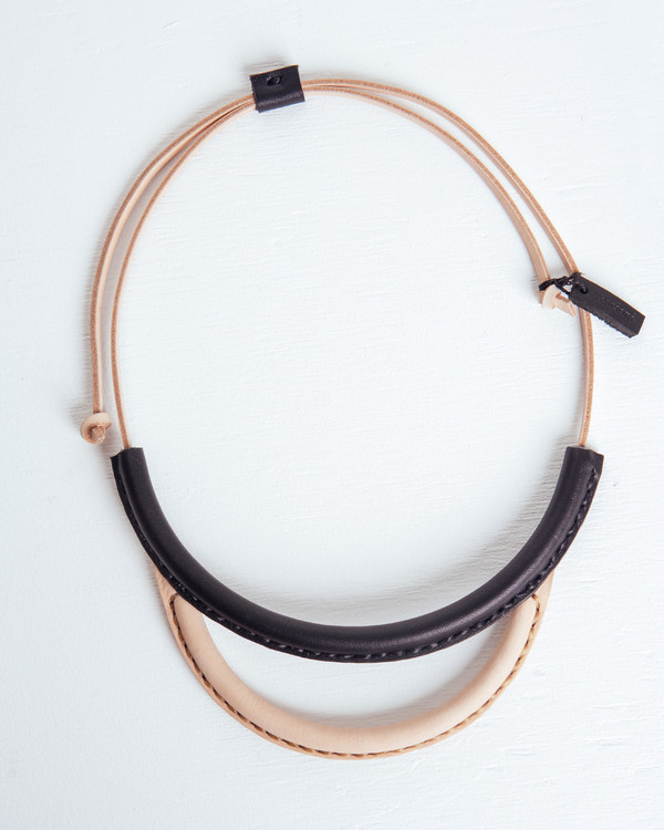 Crescioni Arc Necklace