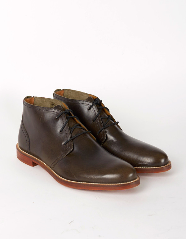 J Shoes Monarch Chukka Boot Black