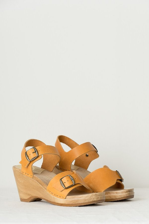 no. 6 Eleanor Clog On Wedge