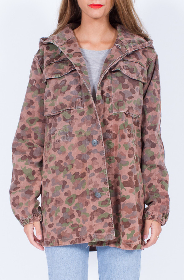 Hooded CAMO JACKET (ONE SIZE)