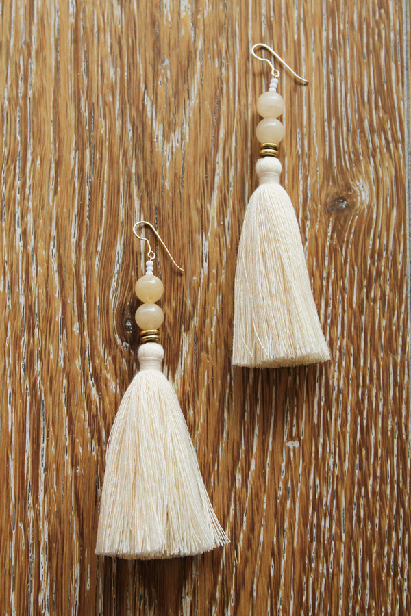 ora-c lina earring in cream