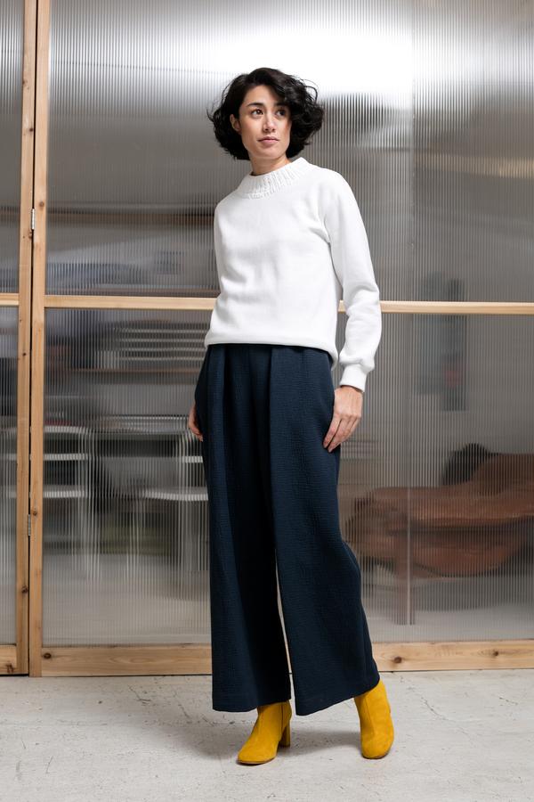 Correll Correll Knit Neck Sweatshirt - white