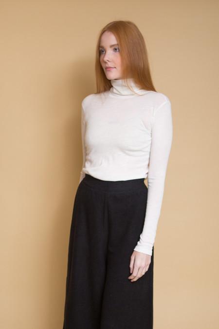 Just Female Violet Rollneck / Off White