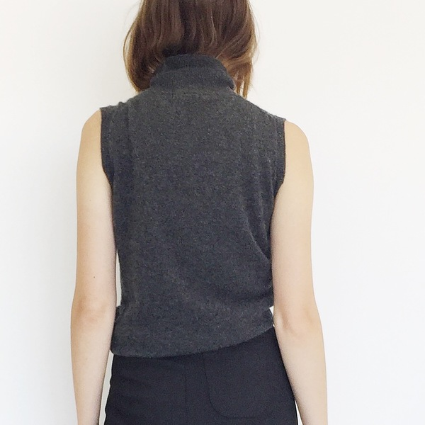 Johan Vintage Grey Cashmere Sleeveless Turtleneck