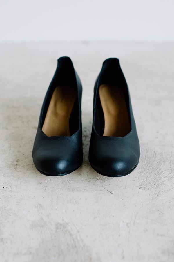 The Palatines Saturo // Black