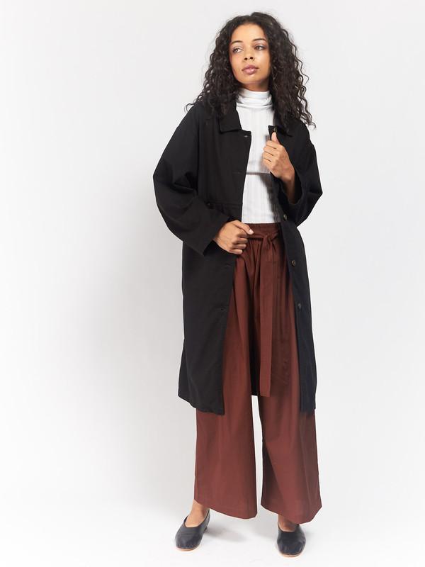 69 Simple Coat Black
