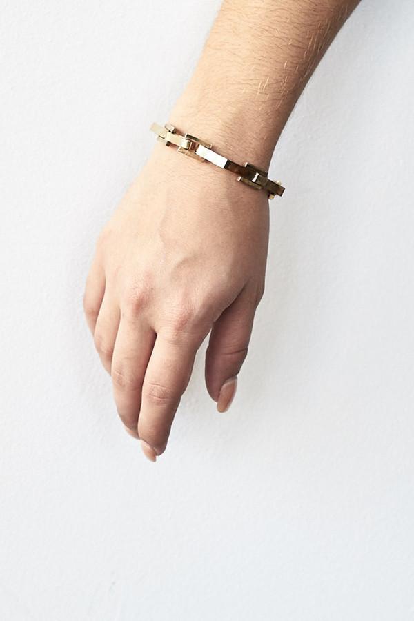 Samma Brass Open/Close Bracelet