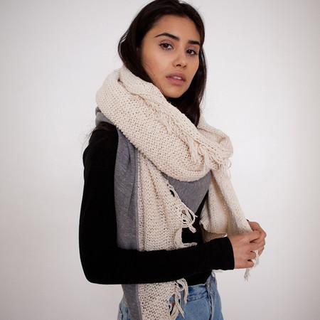 Donni Charm Diagonal Knit Blanket Scarf - Grey & Creme