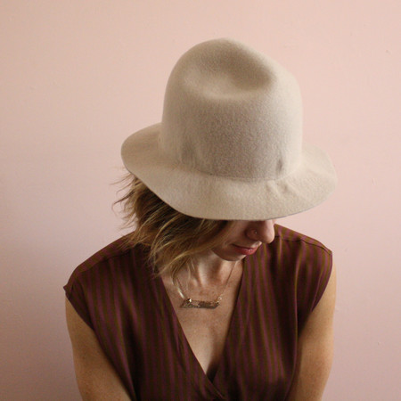 Brookes Boswell Yama Imo hat - alabaster