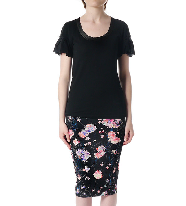 Sacai Luck Black T-Shirt with Ruffle Sleeves