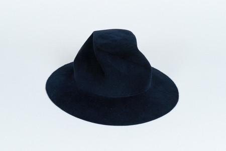 Clyde Pinwheel Hat in Navy Angora