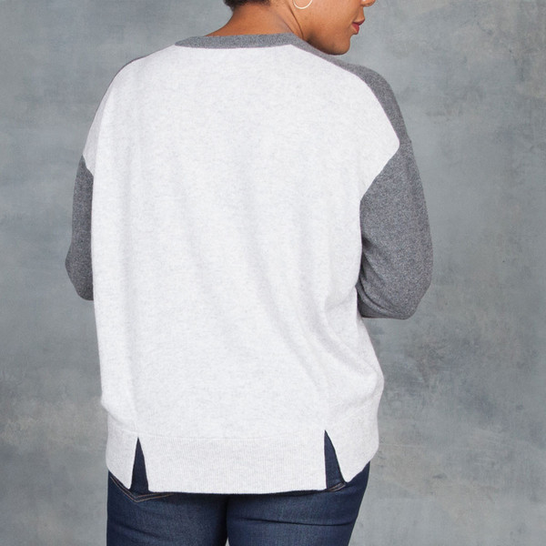 Duffy Cashmere Grey Color Block Pullover Sweater