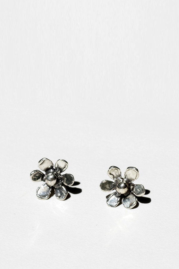 Mondo Mondo Sterling Silver Daisy Stud Earrings