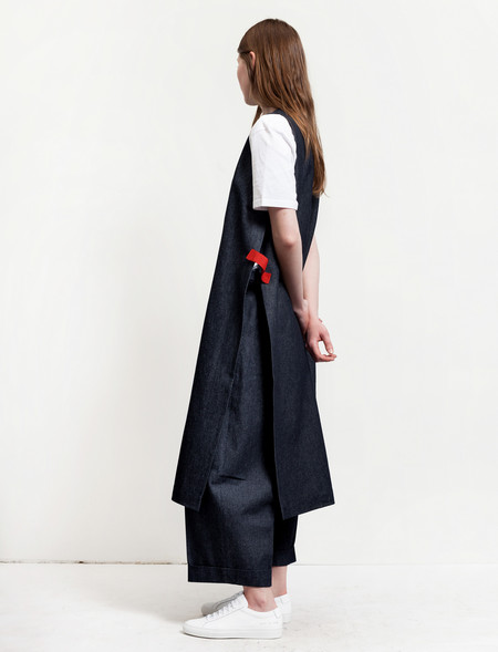 1205 Denim Tabard With Contrast Tabs