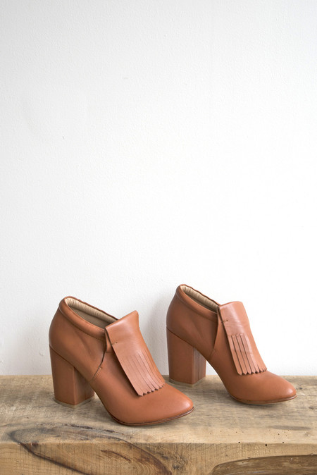 A Détacher Falcon Bootie in Caramel