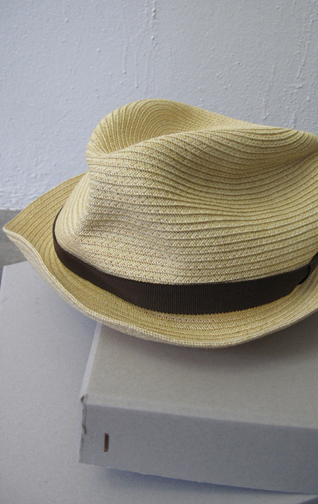 Mature-Ha Paper foldable hat in pale natural yellow with brown ribbon