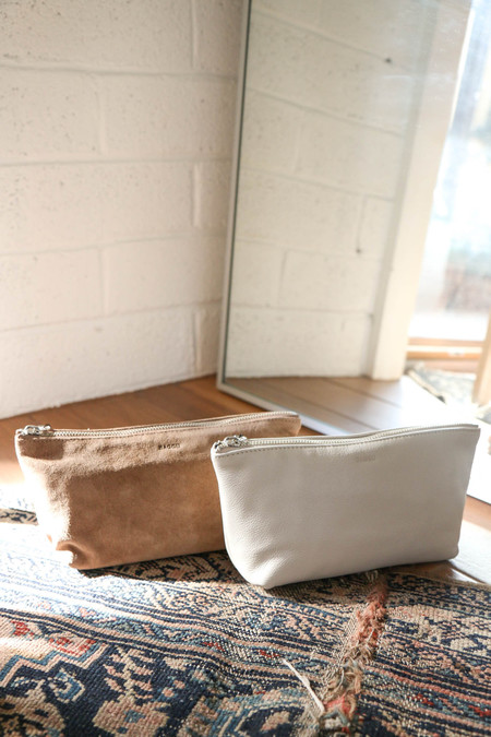 BAGGU Small Cosmetic Pouch in Stone