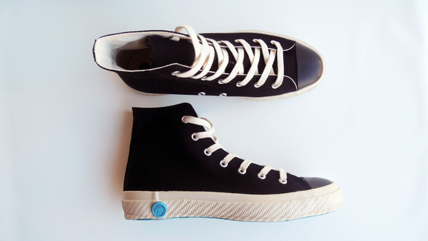 Unisex Shoes Like Pottery High Tops - Black
