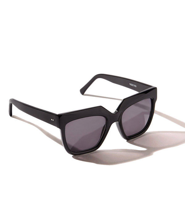 ZANZAN Vesuvio Sunglasses in Black