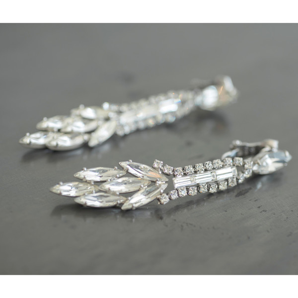 Carole Tanenbaum Vintage Collection 1950 Weiss Shoulder Duster Earrings