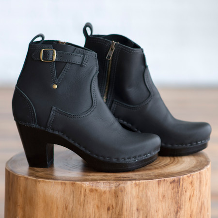 No. 6 5-Inch Buckle Boot on High Heel Platform