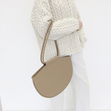 ARE Studio - Nude Bag