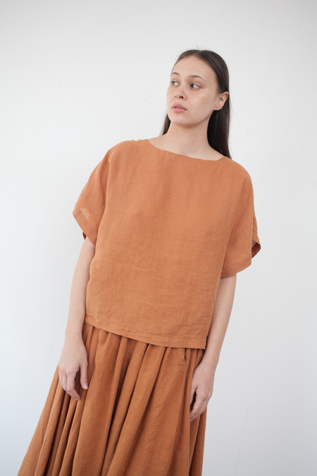 Black Crane Linen Box Tee in Rust