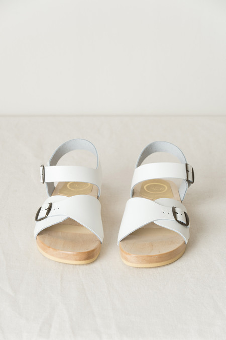 No.6 Eleanor Clog on Flat Base In White