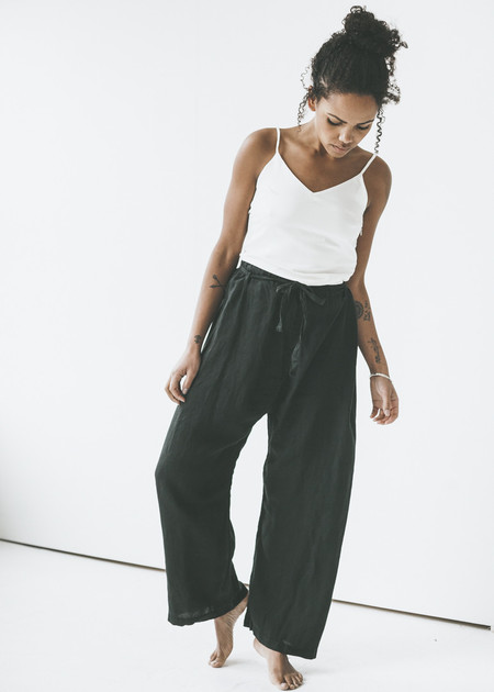 Black Crane - Drawstring Pants in Black