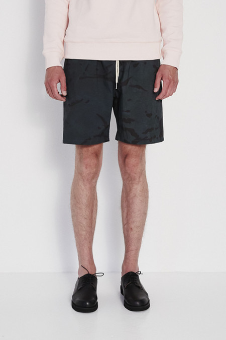 Soulland Bau Relaxed Shorts with Side Pockets in Green Camou
