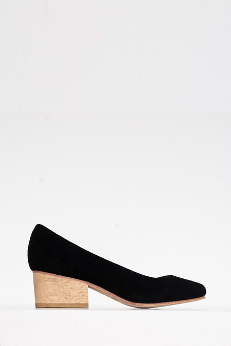A Détacher Suede Eleanor Pump