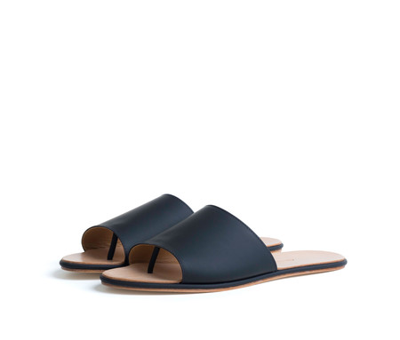 the palatines shoes caelum slide sandal - black super matte leather
