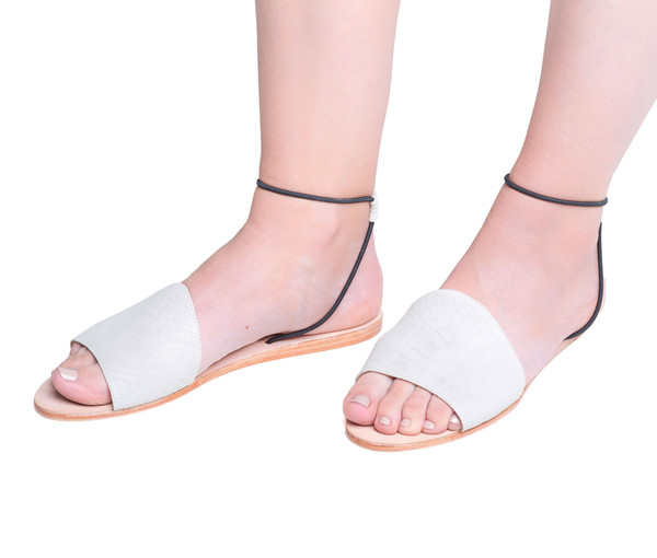 The Palatines Shoes Refero Sandal - Beige Leather W Black Elastic