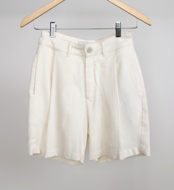 Objects Without Meaning Isa Pleated Short
