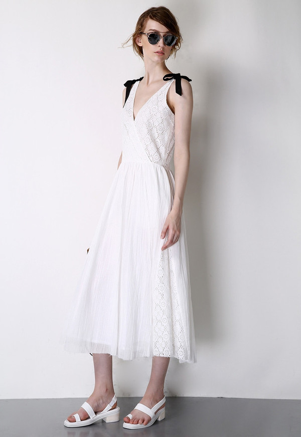 Few Moda Greek Goddess V-Neck Midi Dress