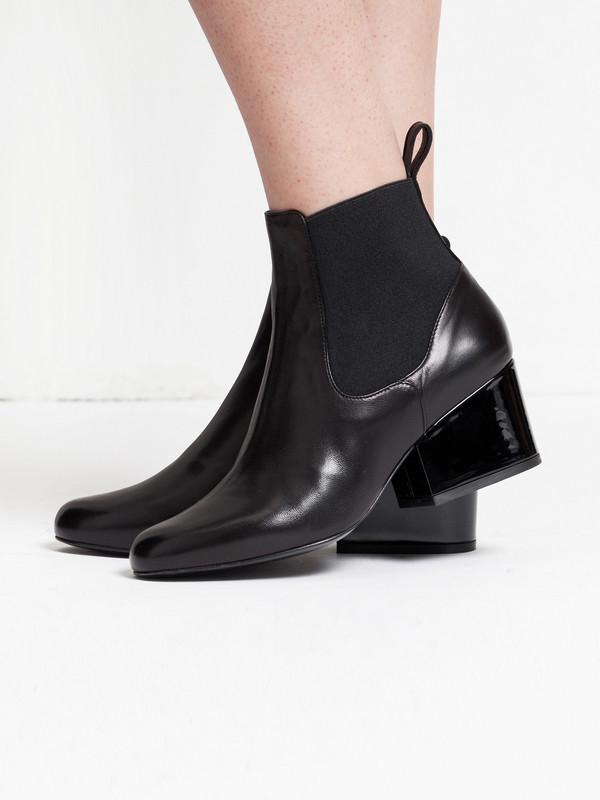 Robert Clergerie Moon Boot Black