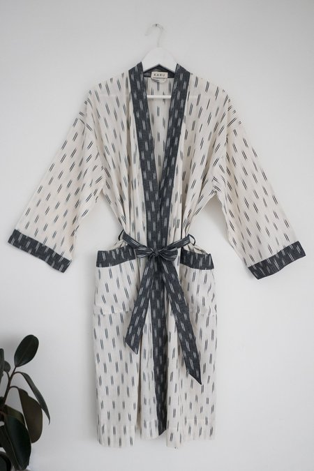 Karu Ikat Robe - Ivory and Grey